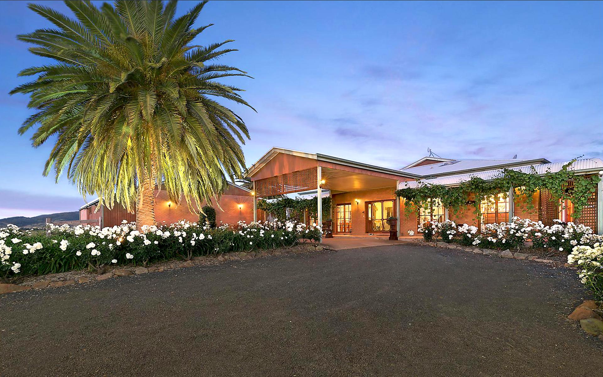 Strathearn Park Lodge - Luxury Scone Accommodation